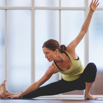 Happy Melon mindful yoga